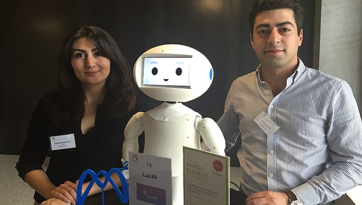 Social Robots Programmable By Everyone